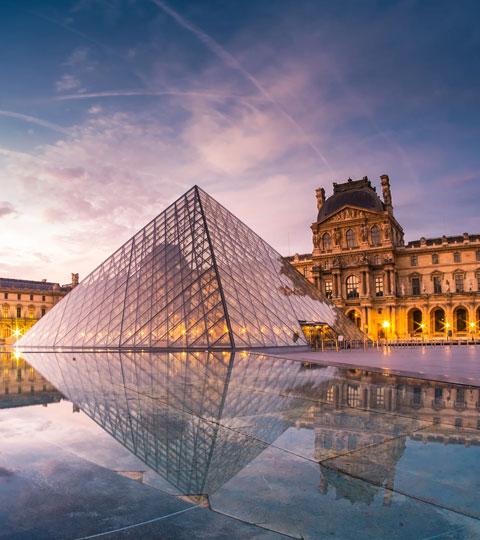 Explore the Lourve in Paris